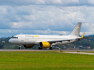 EC-NDC - Vueling Airlines Airbus A320 NEO