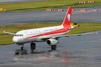 B-6770 - Sichuan Airlines  Airbus A320