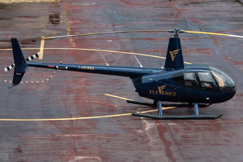 I-HUMA - Private Robinson R44 Clipper