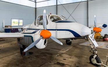 RA-1629G - Private LET L-200 Morava