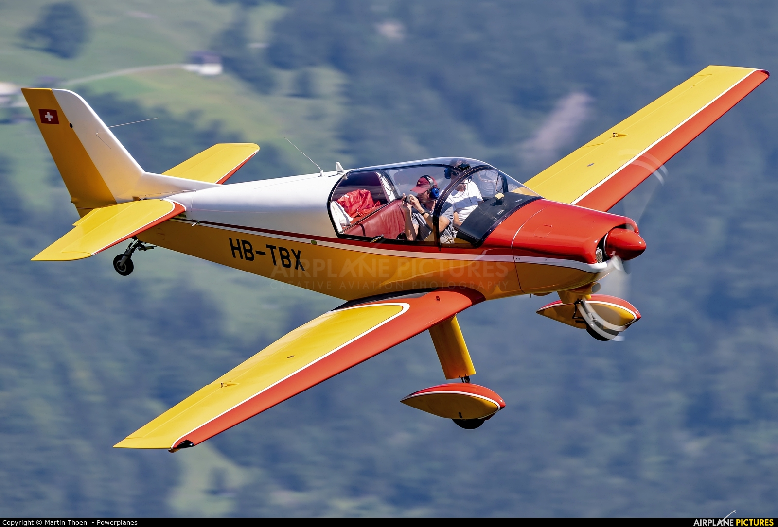Private HB-TBX aircraft at Off Airport - Swiss Alps