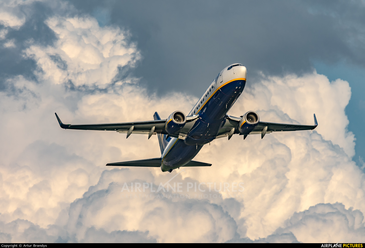 Ryanair Sun SP-RSX aircraft at Kraków - John Paul II Intl