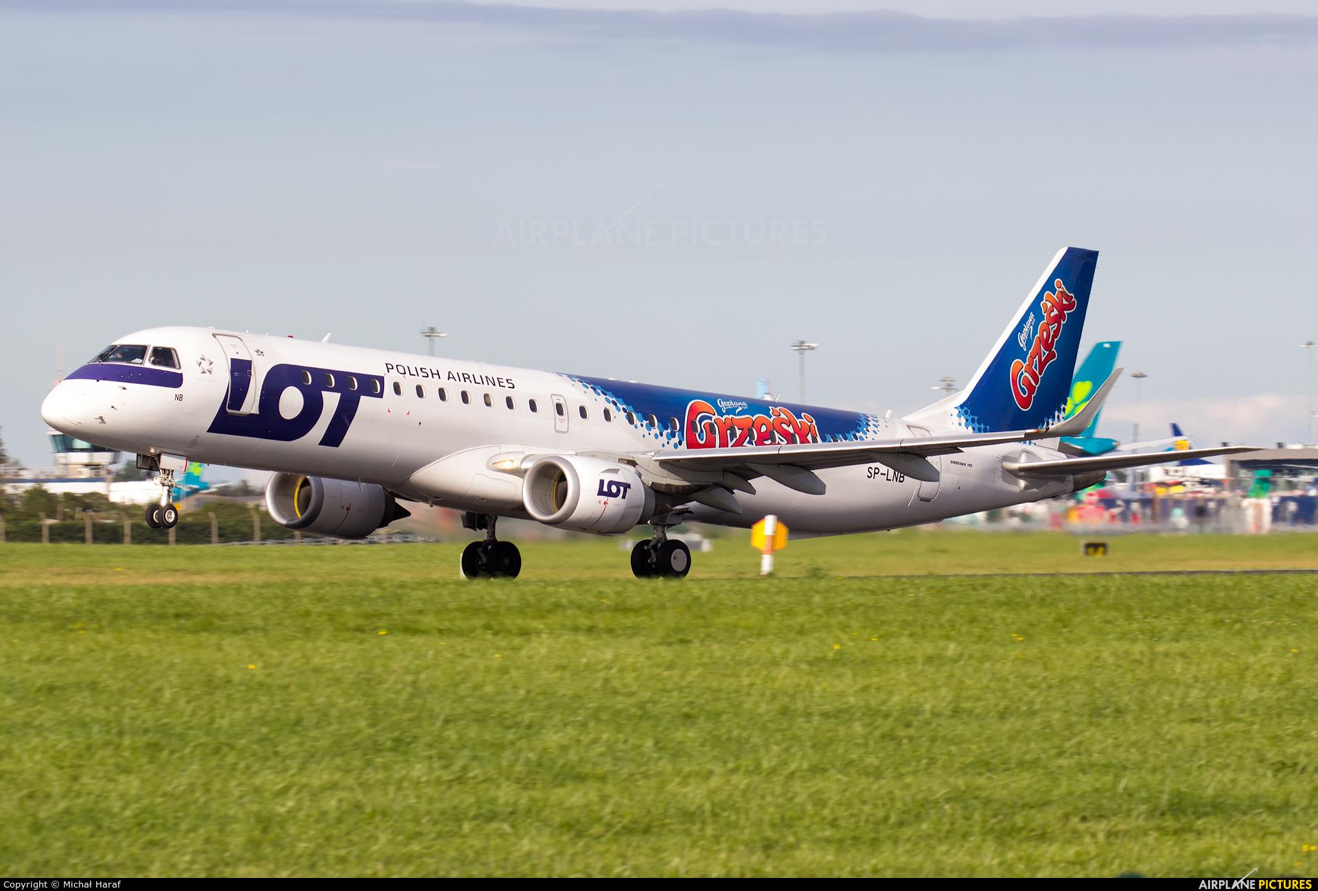 LOT - Polish Airlines SP-LNB aircraft at Dublin
