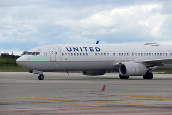 N38454 - United Airlines Boeing 737-900ER