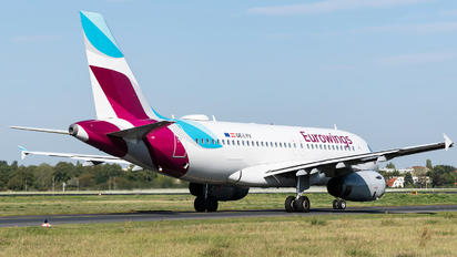 OE-LYV - Eurowings Europe Airbus A319