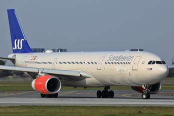 LN-RKU - SAS - Scandinavian Airlines Airbus A330-300