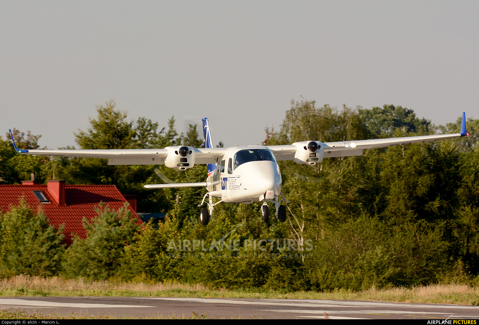 LOT Flight Academy SP-LFG aircraft at Piotrków Trybunalski