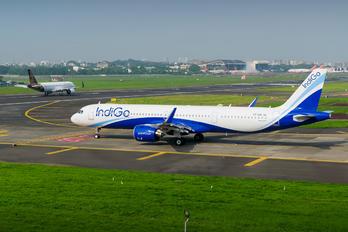 VT-IUE - IndiGo Airbus A321 NEO