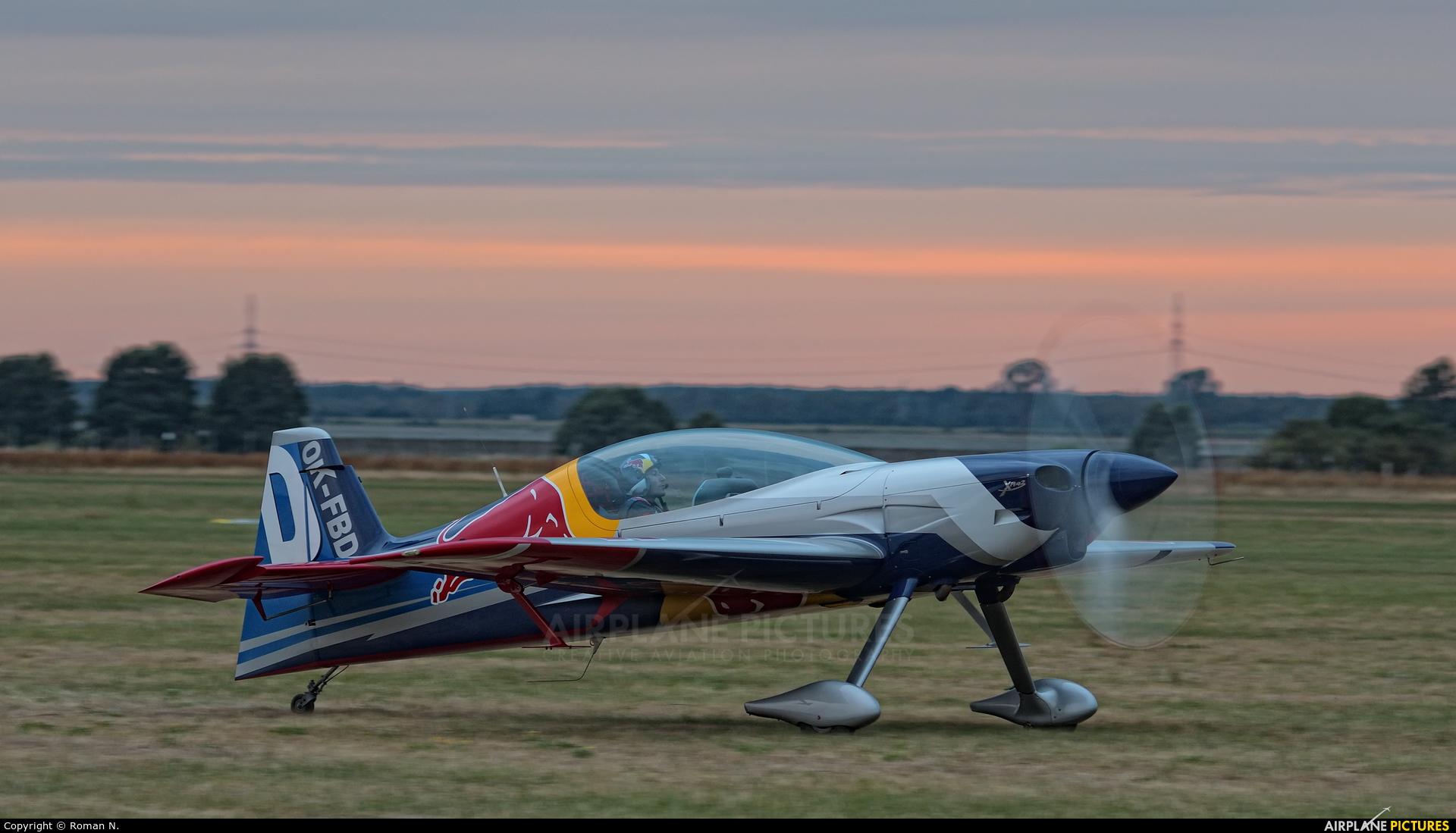 The Flying Bulls Duo : Aerobatics Team OK-FBD aircraft at Leszno - Strzyżewice