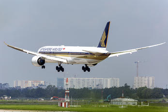 9V-SCN - Singapore Airlines Boeing 787-10 Dreamliner
