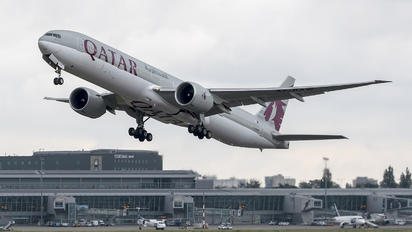 A7-BAW - Qatar Airways Boeing 777-300ER