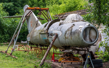 01 - Private Mikoyan-Gurevich MiG-17