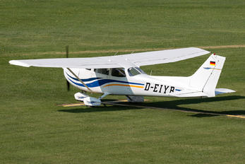 D-EIYR - Private Cessna 172 Skyhawk (all models except RG)
