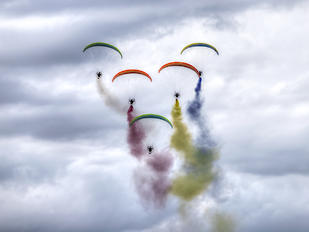 - - Flying Dragons Team Parachute Fan