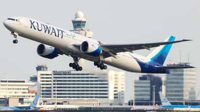 9K-AOF - Kuwait Airways Boeing 777-300ER