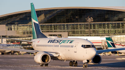 C-GWSQ - WestJet Airlines Boeing 737-700
