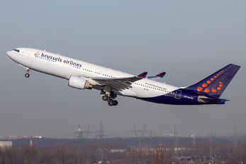 HB-IQA - Brussels Airlines Airbus A330-200