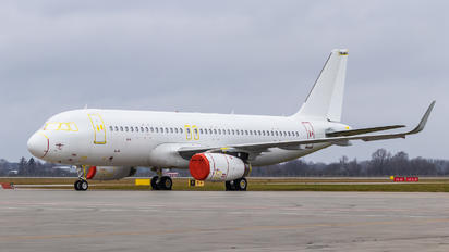 OE-IRQ - Air Lease Corporation Airbus A320