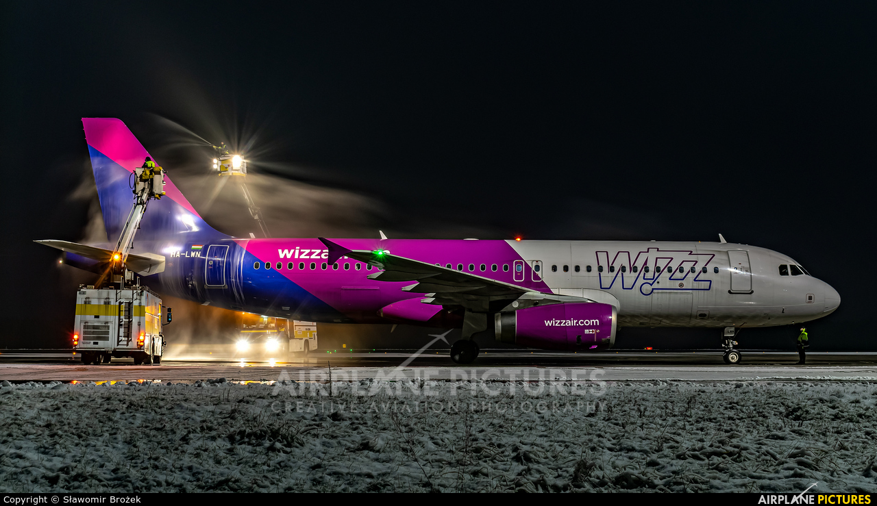 Wizz Air HA-LWN aircraft at Katowice - Pyrzowice