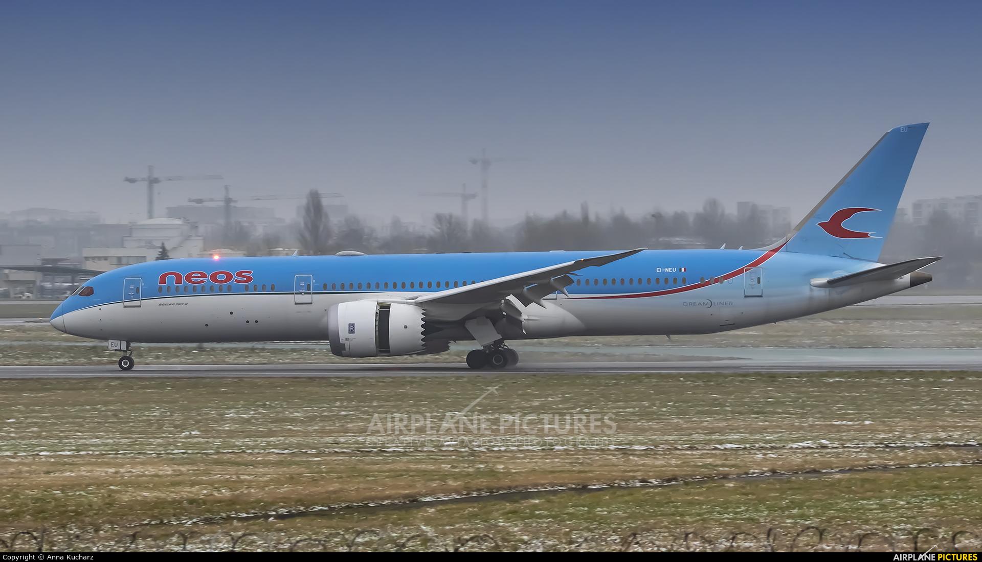 Neos EI-NEU aircraft at Warsaw - Frederic Chopin