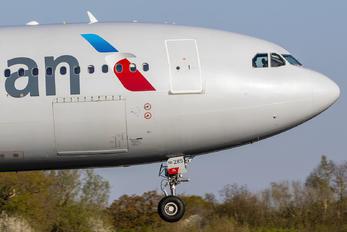 N285AY - American Airlines Airbus A330-200