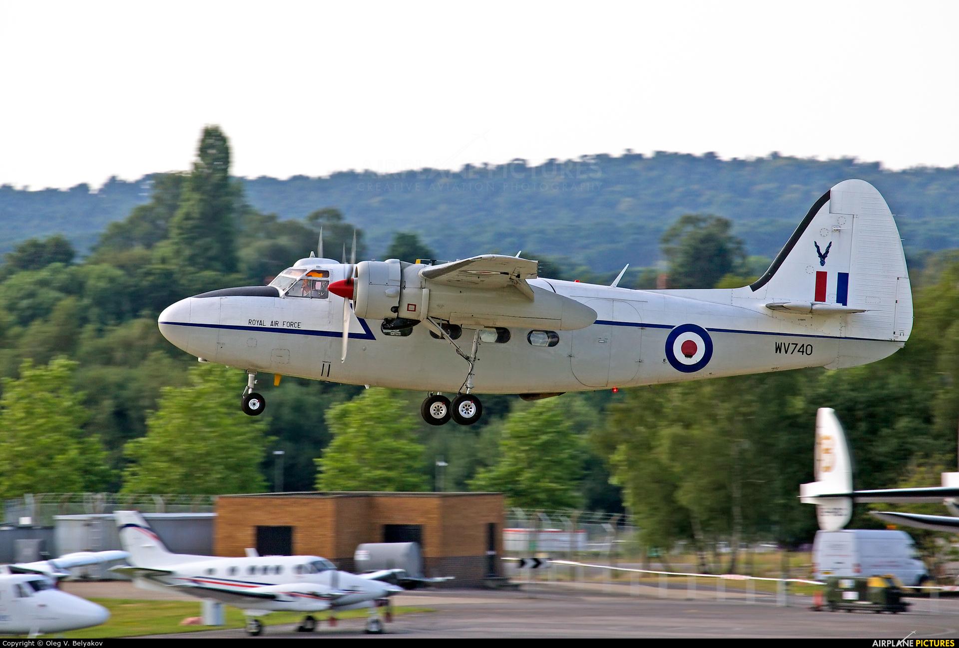 Private G-BNPH aircraft at Farnborough
