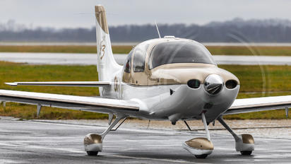 OK-REJ - Private Cirrus SR22