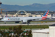 N725AN - American Airlines Boeing 777-300ER aircraft