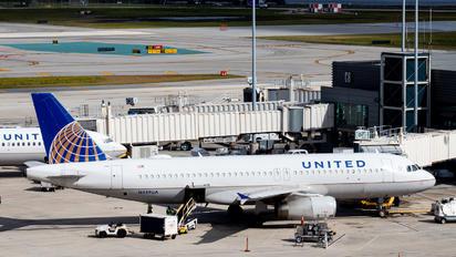 N459UA - United Airlines Airbus A320
