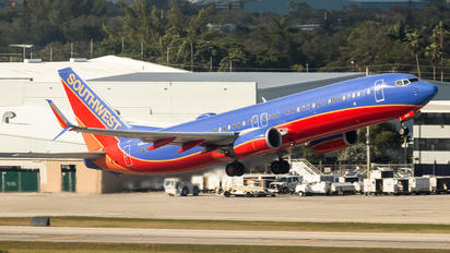 N8613K - Southwest Airlines Boeing 737-800