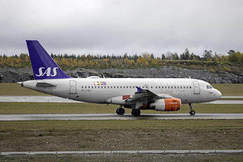 OY-KBT - SAS - Scandinavian Airlines Airbus A319