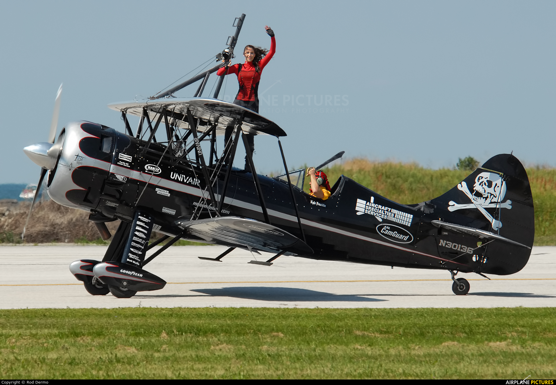Private N30136 aircraft at Cleveland - Burke Lakefront