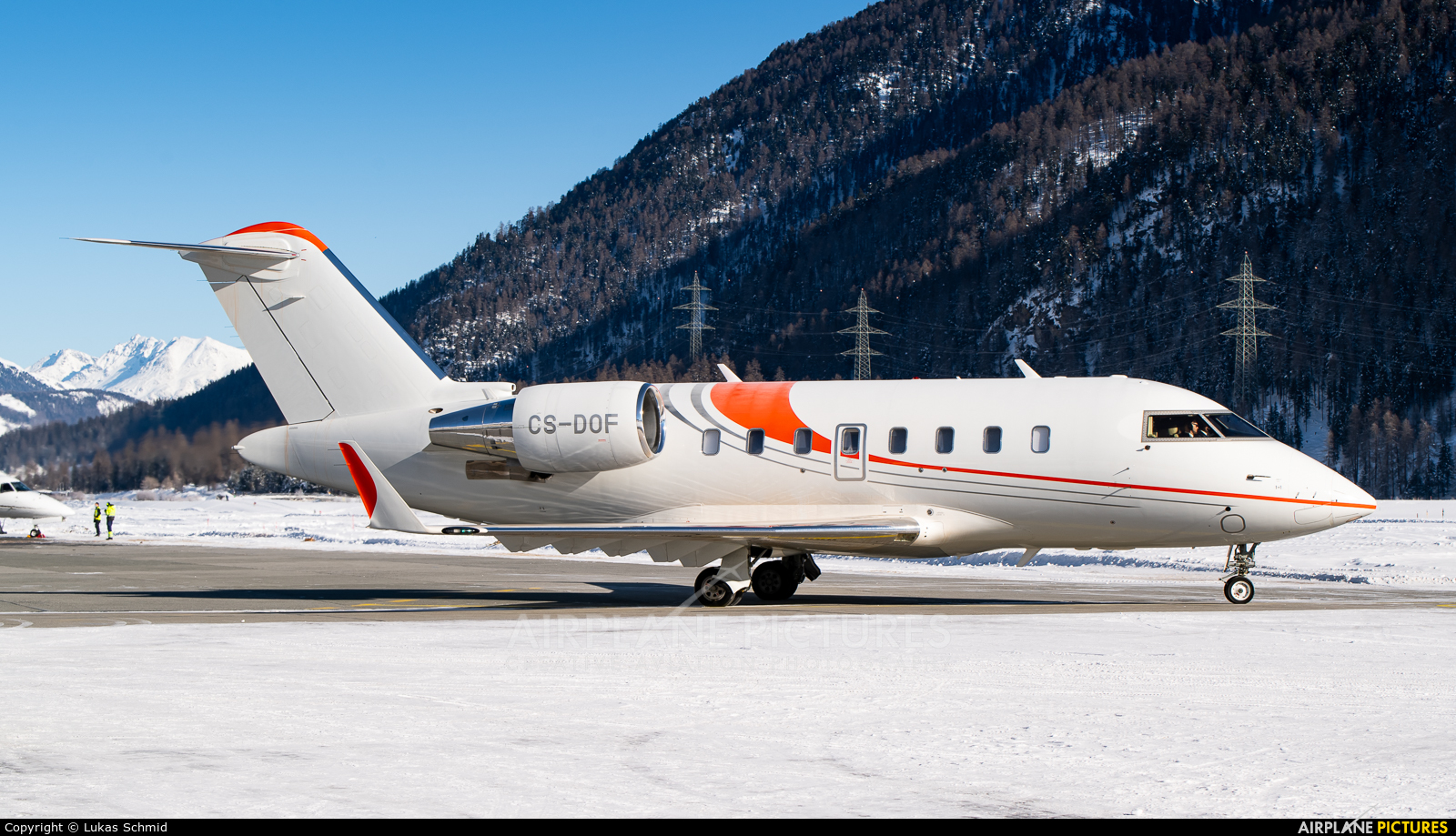 Private CS-DOF aircraft at Samedan - Engadin