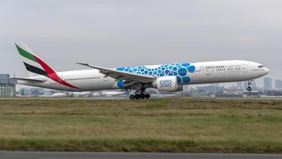A6-EPK - Emirates Airlines Boeing 777-300ER