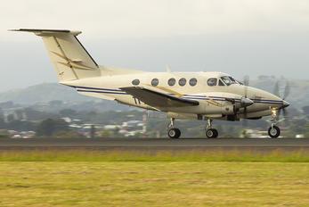 TI-AWM - Carmonair Beechcraft 90 King Air