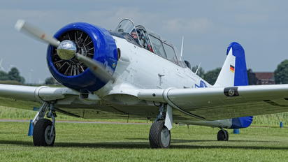 D-FUKK - Private North American Harvard/Texan (AT-6, 16, SNJ series)