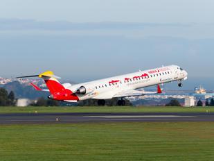 EC-MRI - Air Nostrum - Iberia Regional Canadair CL-600 CRJ-1000