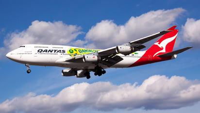 VH-OJS - QANTAS Boeing 747-400
