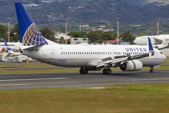 N27246 - United Airlines Boeing 737-800