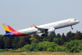HL8038 - Asiana Airlines Airbus A321