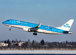 PH-EXW - KLM Cityhopper Embraer ERJ-175 (170-200)