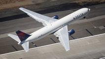 N124DE - Delta Air Lines Boeing 767-300 aircraft