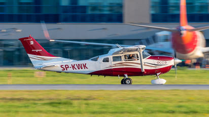 SP-KWK - Private Cessna 206 Stationair (all models)