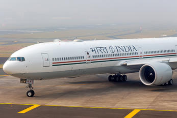 VT-ALW - India - Government Boeing 777-300ER