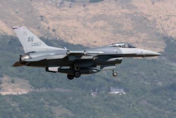 88-2057 - USA - Air Force General Dynamics F-16CG Night Falcon