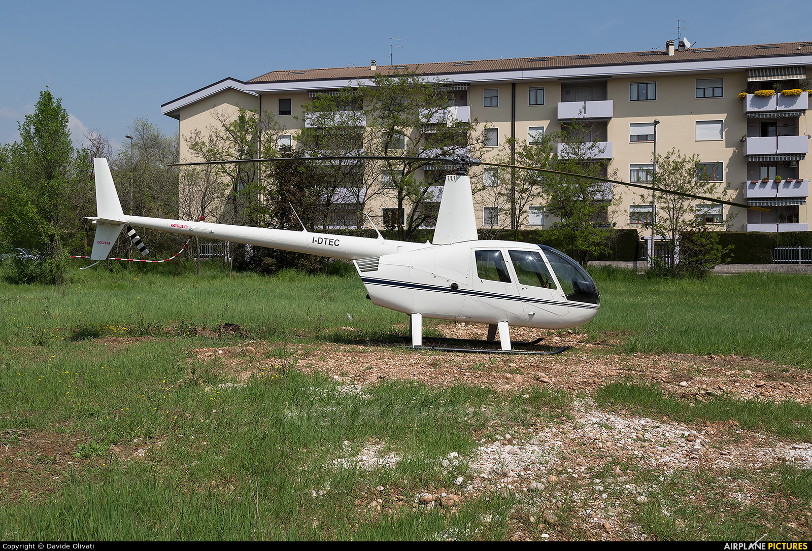 Private I-DTEC aircraft at Off Airport - Italy