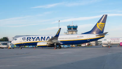 SP-RKU - Ryanair Boeing 737-8AS