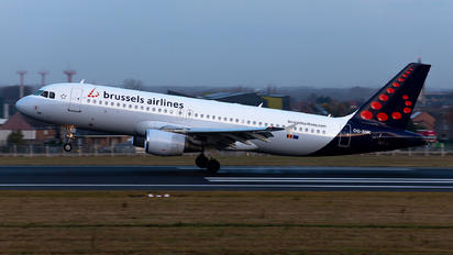 OO-SNK - Brussels Airlines Airbus A320