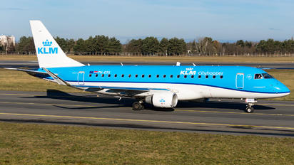 PH-EXX - KLM Cityhopper Embraer 170-200 STD