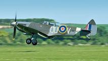 G-LFIX - Private Supermarine Spitfire T.9 aircraft